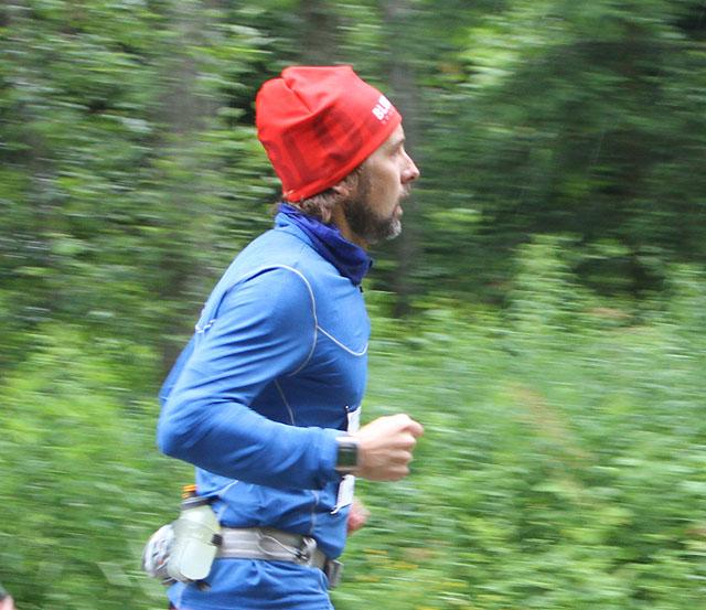 Bare noen kilometer etter start, fremdeles tørr og fin. Foto: Sharon Broadwell