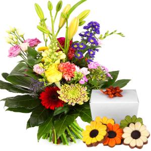 Modern boeket met bloemen chocolade bestellen of bezorgen