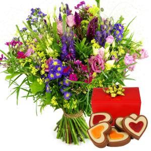 Veld geplukte bloemen en hartjes chocolade bezorgen bestellen of bezorgen