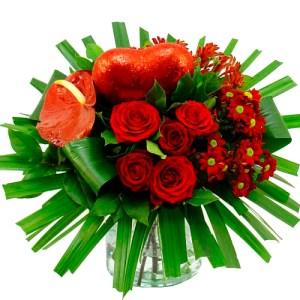 Liefdes boeket met rood hart bestellen of bezorgen online