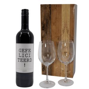 Gefeliciteerd wijn met wijnglazen bestellen of bezorgen