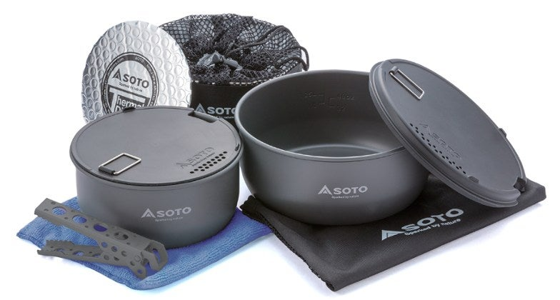 the soto navigator cook set, many pots and pans and cookware