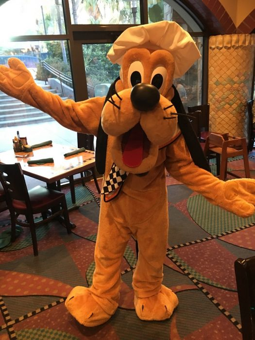 Review of Breakfast at Goofys Kitchen in Disneyland Hotel