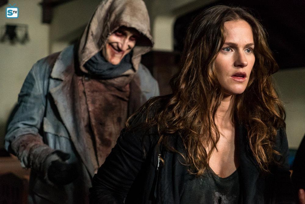 Van Helsing Netflix Original 6