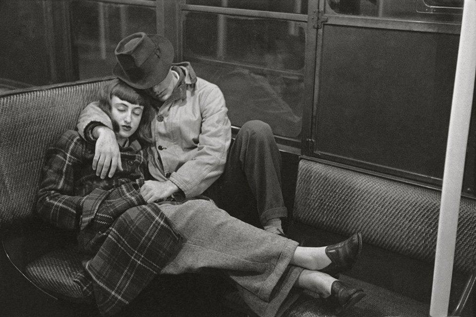 stanley kubrick photographs through a different lens Leseansicht TASCHEN