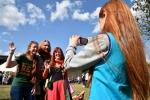 red-love-festival-des-centaines-de-tetes-rousses-a-la-fete (1)_