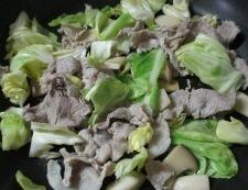 豚こまとキャベツのオイスターソース炒め 調理③
