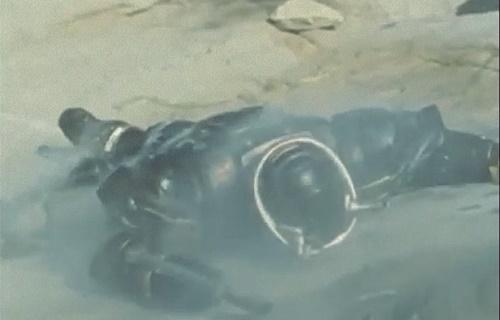 メタル ヒーロー ビーファイター ブラックビート 敗北 スーツ破壊 マスク破壊 やられ