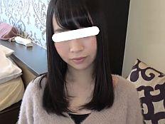 【無】肌がキレイ自慢のお目目クリクリ娘と生ハメ撮りでご無沙汰マムコに膣内射精◆