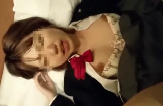 【★無修正★個人撮影】顔モザイクありだけど、かなりの可愛すぎです!!!塩対応の女子校生がハメられると可愛く喘ぎ出すのであった
