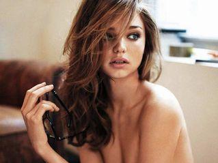 ミランダ・カーヌード画像125枚。人気モデルのおっぱいや乳首ポロリ完全まとめ。