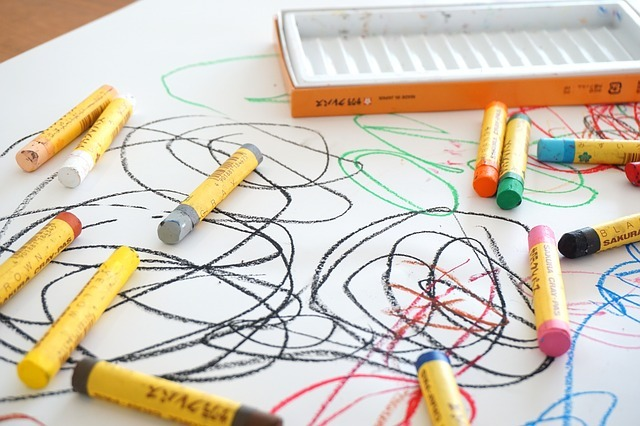crayon-2009816_640.jpg