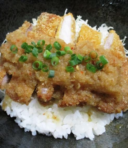 七味おろしカツ丼 拡大