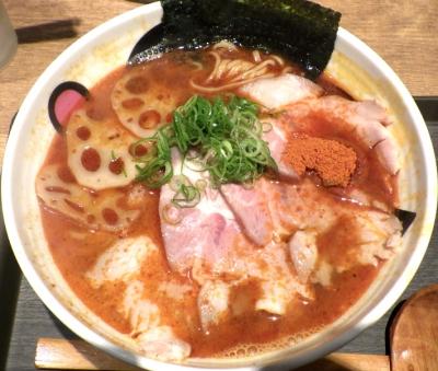 麺と心 7 魚介ラー油肉そば
