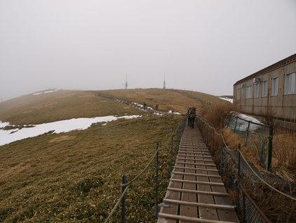 剣山へもう一度 (3) ~雪がない尾根~