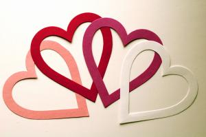 LARGE_PAPER_HEARTS_convert_20110329190845.jpg