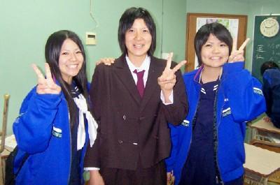 K城里奈さんとN宗根利子さんが大學進學報告