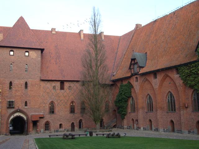 一個人也很快樂 【波蘭】條頓悲歌:條頓騎士團總部馬爾堡城堡