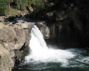 McCloud lower falls 090910-2