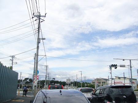 新東山田交差点