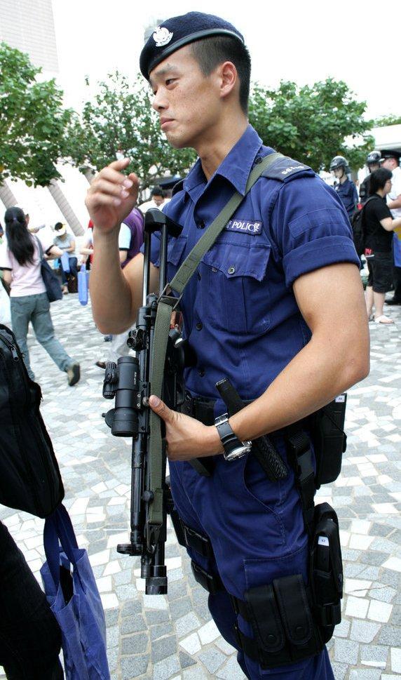 制服 * 美男 ... 香港警察