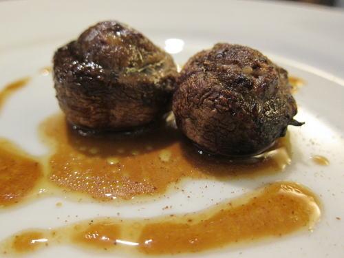 肉詰めマッシュルームグリル