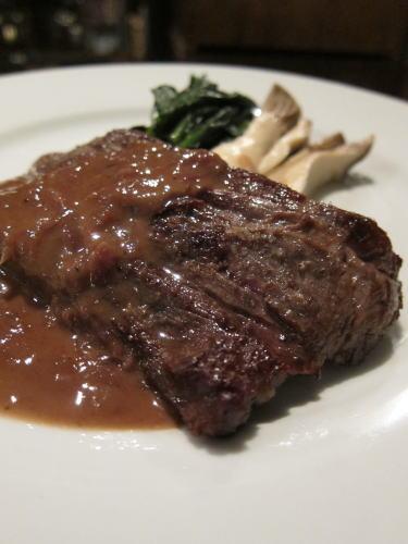 和牛ハラミ肉のポワレ
