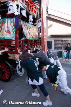姥神大神宮渡御祭 2012 上町巡幸 山車を押す