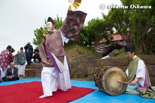 夷王山神社 神楽舞 白面