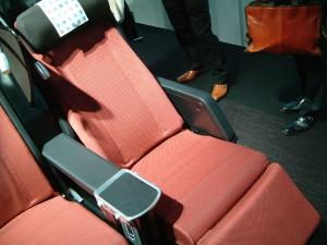 jal+seat+074_convert_20120917122710.jpg