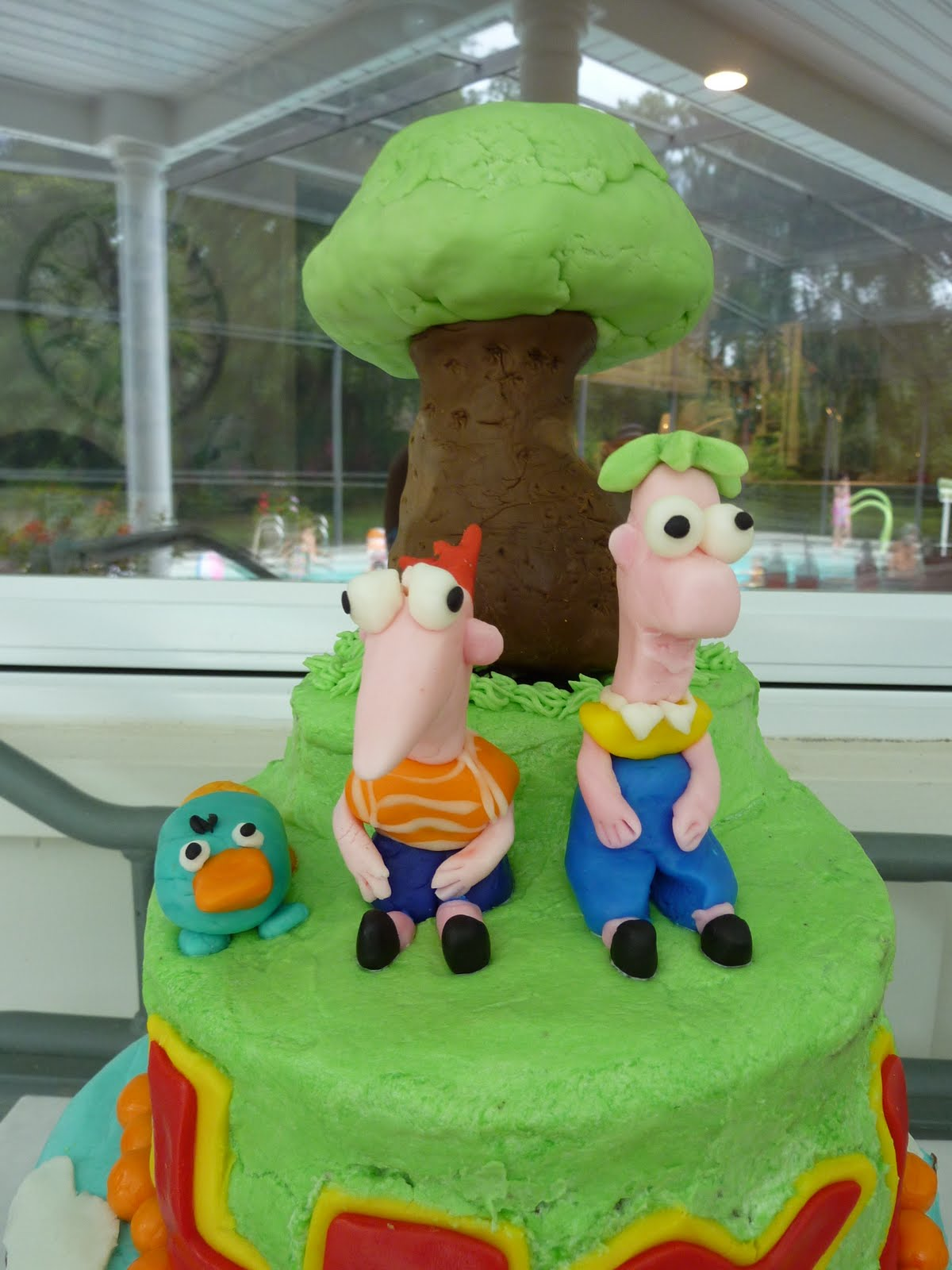 Phineas And Ferb Cake Decorations