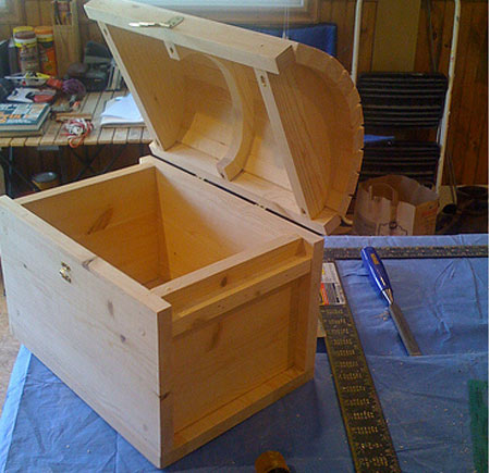 Wooden Treasure Chest Plans | How To build a Amazing DIY Woodworking ...