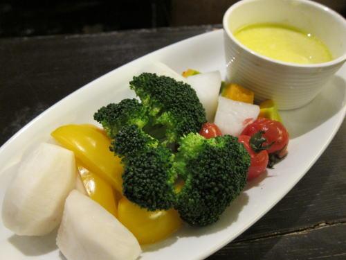 蒸し野菜のチーズディップ