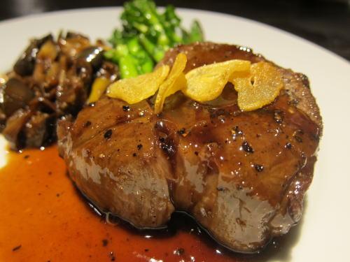 和牛ロース肉のポワレ