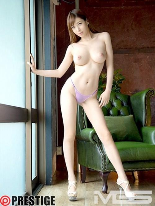 香山美桜 身長170cmのスーパーエロボディ画像