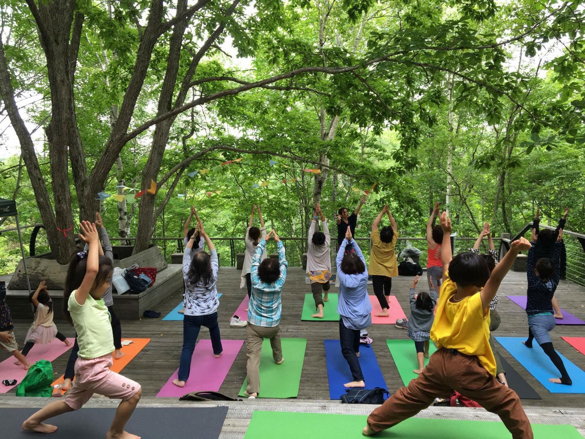 滝野すずらん丘陵公園「森ヨガ」 | Yoga plus style