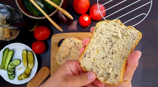 Chleb z dynią i siemieniem z wypiekacza