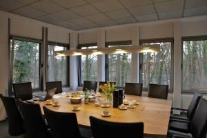 Besprechungs Tisch Leuchte (1)