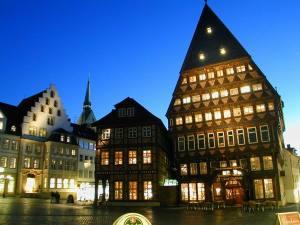 Beleuchtung Marktplatz Hildesheim (1)