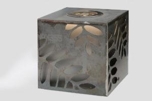 Leuchtender Corten Stahl Würfel (13)
