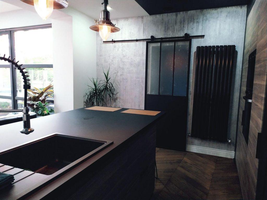 cuisine noire et bois 15 modeles