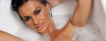 Dionne Mendez naked bath shoot at Babestation