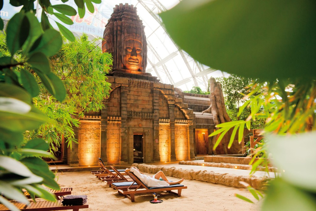 Angkor Wat - Tropical Islands