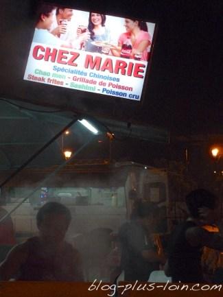 Les roulottes à Papeete.