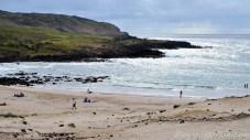 La plage Anakena, à un moment où il faisait bien gris.