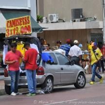 Tee-shirts à vendre un jour de match Colombie - Côte d'Ivoire