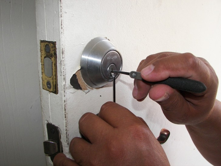 locksmith-1947387_1280(1)