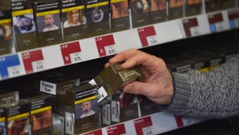 Marlboro takes advantage of the neutral packaging implementation
