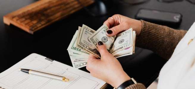 根據勞動部違反勞動法令事業單位(雇主)查詢系統顯示,雇主違反勞動基準法全台排名第一高的是第24條給付加班費的規定。