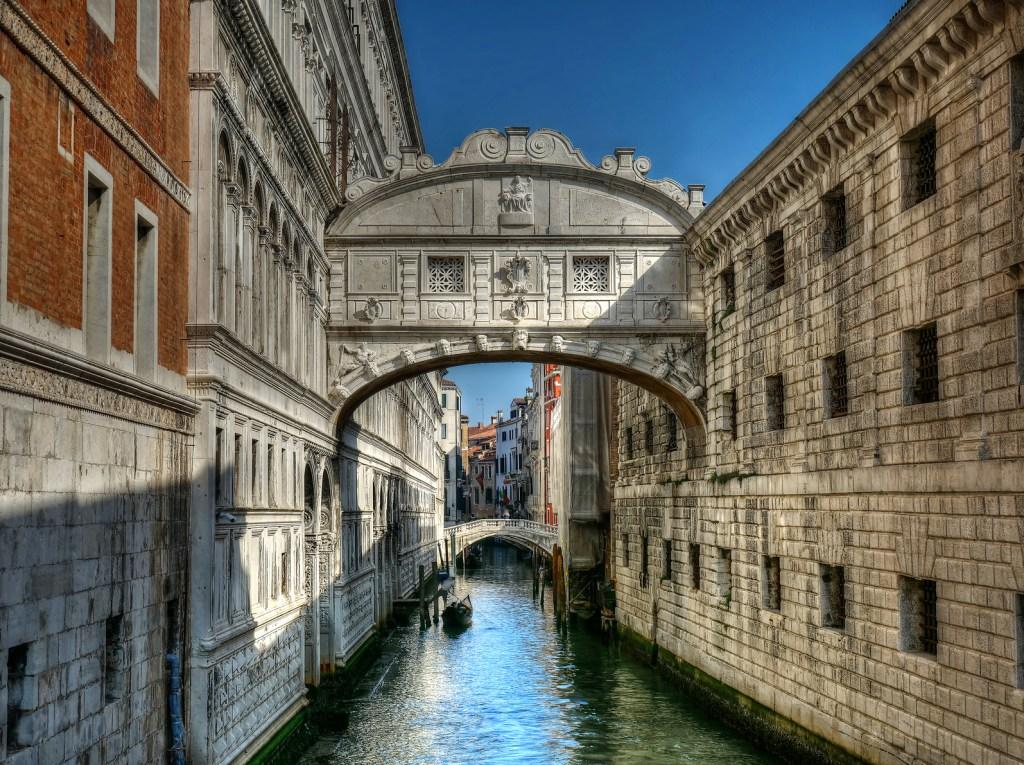 7 dias pela Itália. Fonte dos Suspiros.